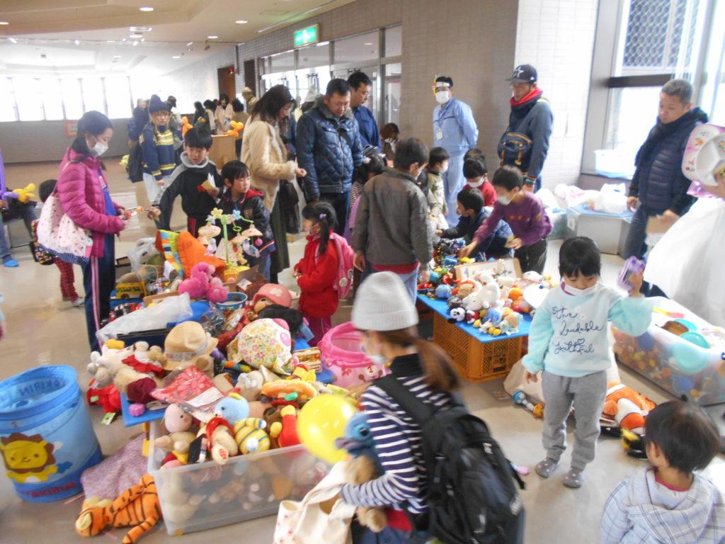 写真:蓮田市 子育てでつながろうminiフェスタ「おもちゃ交換」