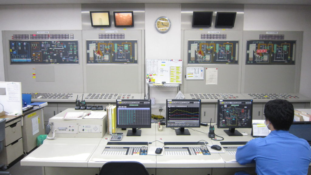 写真:ごみ中央制御室